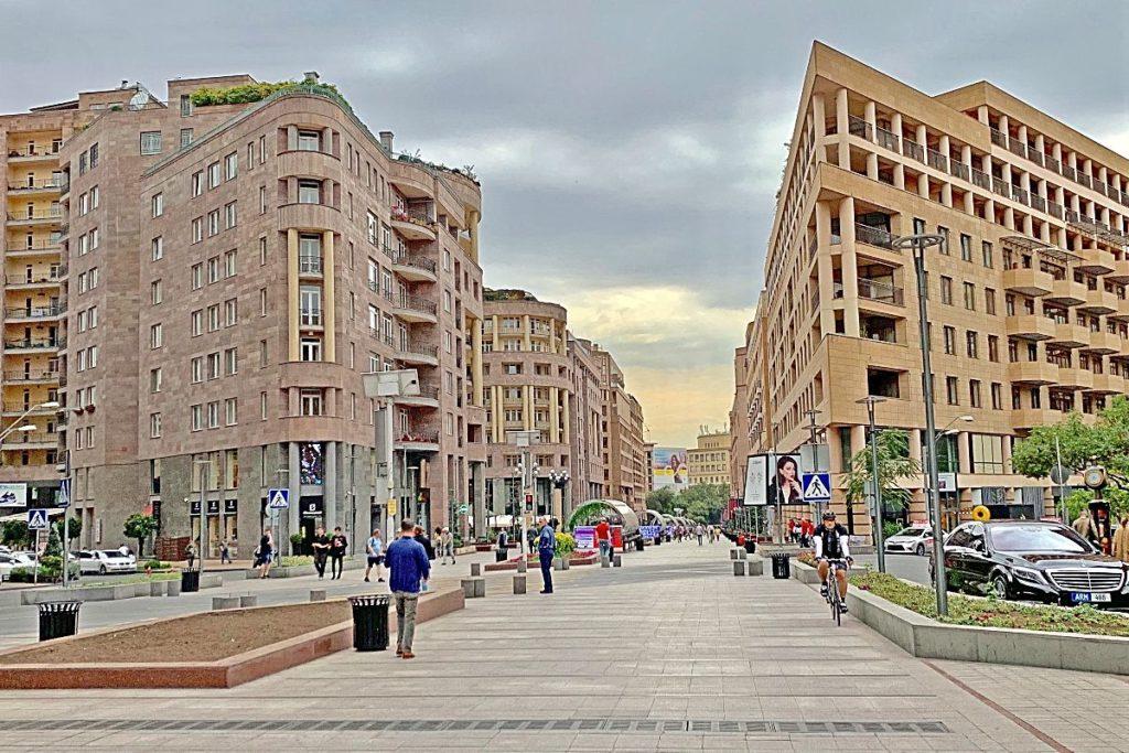 Северный проспект на экскурсии в Ереване