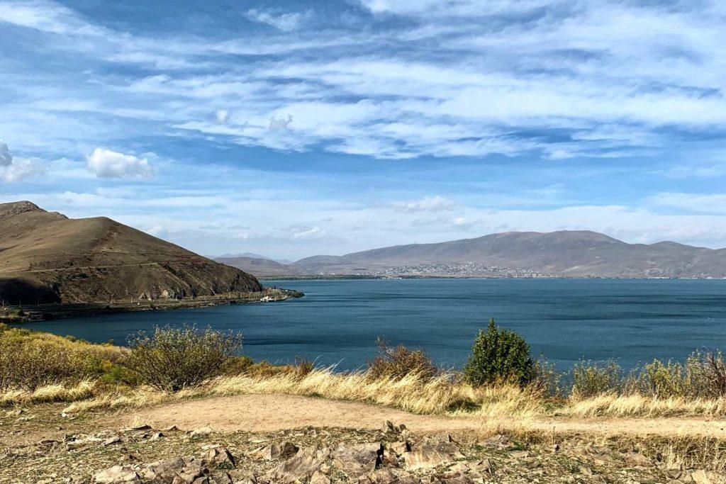 Экскурсия из Армении в Грузию озеров Севан