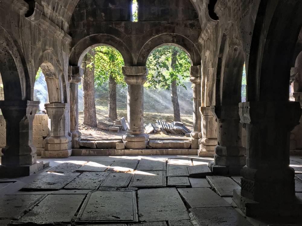 Монастырский комплекс Сананин Армения Грузия