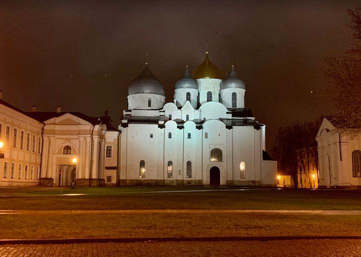 Софийский собор на экскурсии с искусствоведом в Новгород