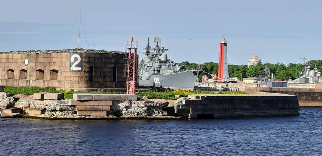 Вид на Кронштадт с Финского залива