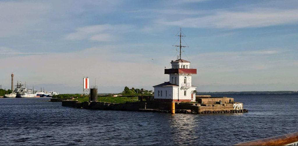 На пароходе по фортам Кронштадта
